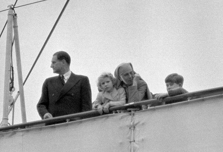 Princess Alice seen her with her grandchildren, Prince Charles and Princess Anne.