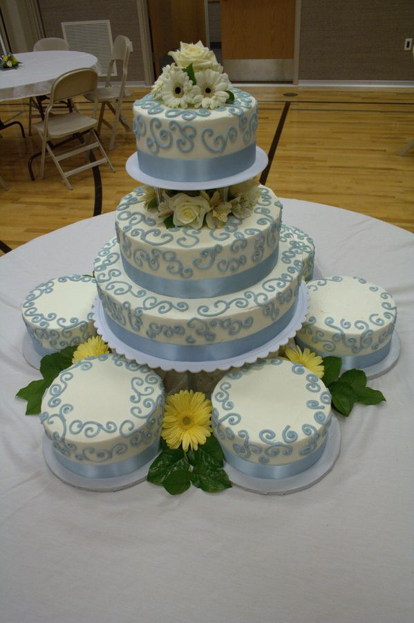 pictures of satellite wedding cakes 25 best images about big cakes and awesome spreads on 18431