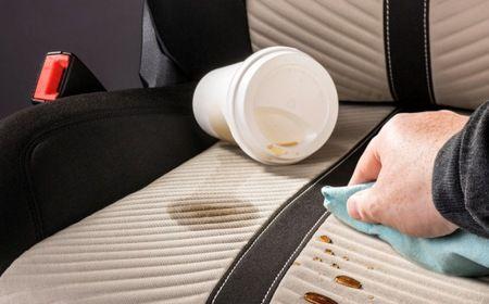 I sedili delle automobiliassorbono qualsiasi tipo di macchie, di qualsiasi rivestimento siano: pelle, tessuto, vinile. Ed essendo uno degli spazi più utilizzati degli interni dell'auto, sono i primi ad aver bisogno di una manutenzione costante. Altrimenti, più passa il tempo e più i sedili rischiano di avere un aspetto sporco e vecchio. Di norma, per