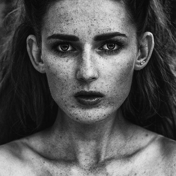 Model : Patrycja Witkowska  Photo : Joe Zawada