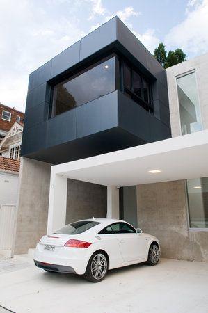 """Dov'è il portone sezionale Breda?!?  Ok, non c'è… ma che bel """"garage""""!!! Vero @Audi Italia ?"""