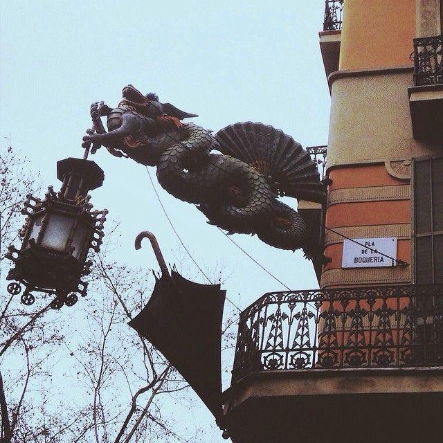 A dragon in #barcelona