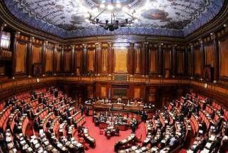 Giorgetti: 'Favorevole a Odg unitario sul gioco', e annuncia che rimetterà la delega