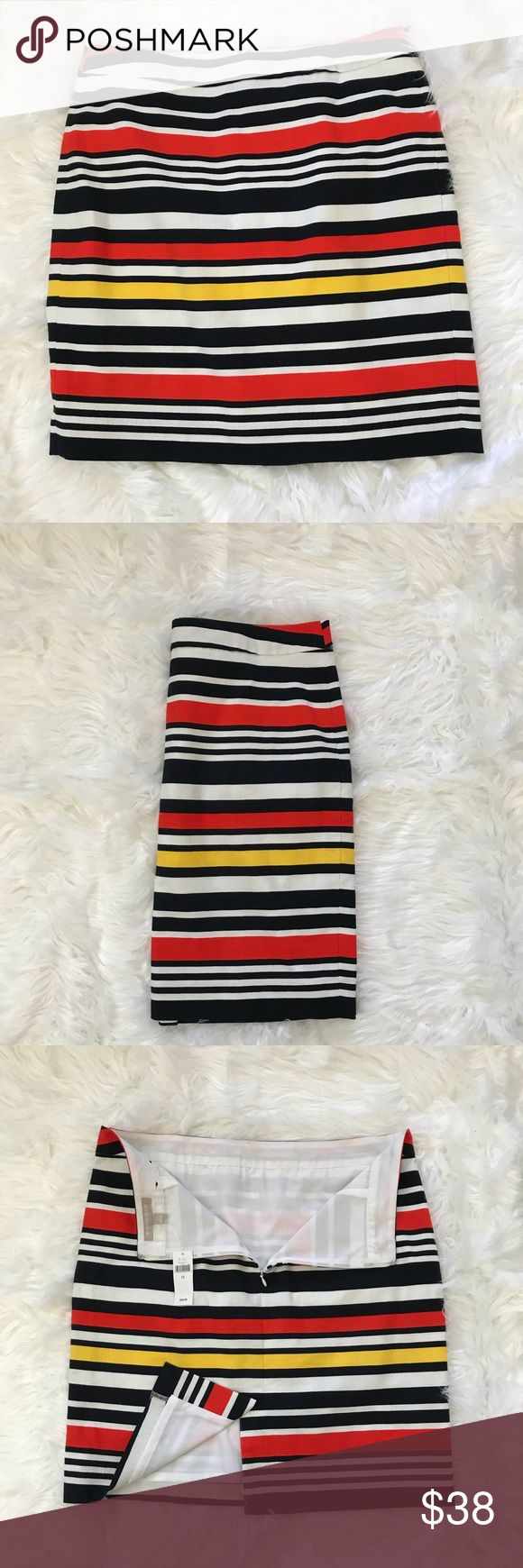 "NWT Banana Republic Factory skirt ✔️Banana Republic Factory striped skirt ✔️Shell: 98% cotton/2% spandex. Lining: 100% polyester.  ✔️Zip/hook closure. Features back slit.  ALL MEASUREMENTS ARE TAKEN LAID FLAT ✂️Waist 17.5"" length 21"" ✔️We ♻️ 📦.  ✔️Offers are encouraged. Bundle to save! 🚫NO TRADES EVER! -11/4- Banana Republic Factory Skirts"