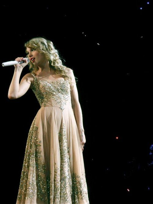 taylor swift's dress in music video love story - Google Search