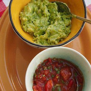 ワカモレとサルサ。+by+Mogさん+|+レシピブログ+-+料理ブログのレシピ満載! ベタですが、ワカモレには自信あり。 だって、メキシコ人に習ったんだもん。( ̄ー+ ̄) 作り続けて18年。 ワカモレの醍醐味は、 いい感じのアボカドを選ぶこと。 スーパーで眉間にシワをよせ...
