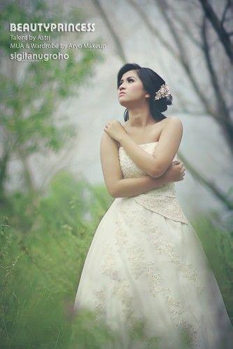 Beauty Princess   Talent by Astri   MUA & Wardrobe by Aryomakeup, 2014.