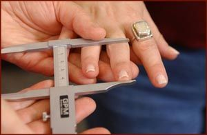 Finger length measurement: digit ratio (2D:4D), dominance, reproductive success, asymmetry, and sociosexuality in the BBC Internet Study.