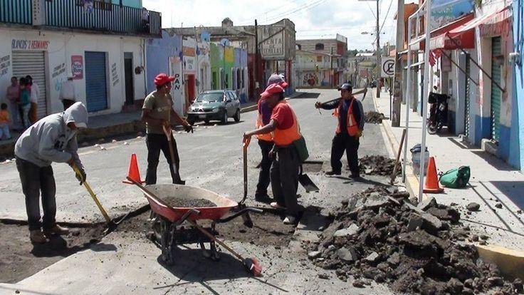Realizan trabajos de bacheo en Nanacamilpa