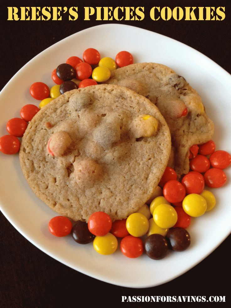 A favorite in my house, be sure to try this Reeses Pieces Cookies Recipe! #cookiesrecipes