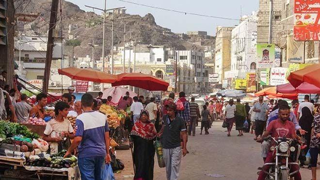 اليمنيون يتخبطون بين التضخم وكورونا ضي ق فيروس كورونا الخناق على اليمنيين وسط تحقيق تقرير ارتفاعالأسعار فيروسكورونا Www Alayyam Street View Views Scenes