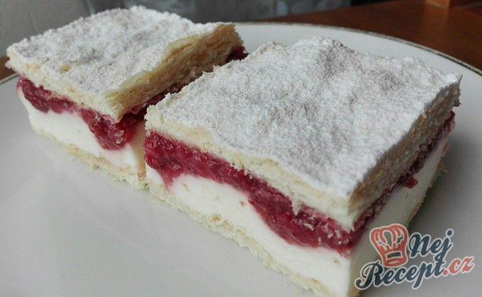 Extra krémový zákusek s jahodovým pyré | NejRecept.cz