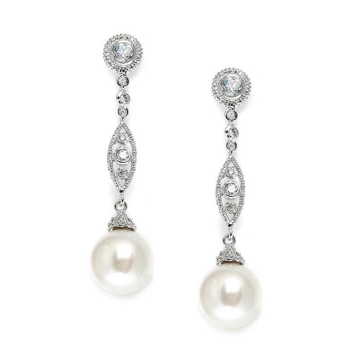 Ces bijoux de mariage ont une partie en texture filigrane qui donne un côté vintage au bijou.