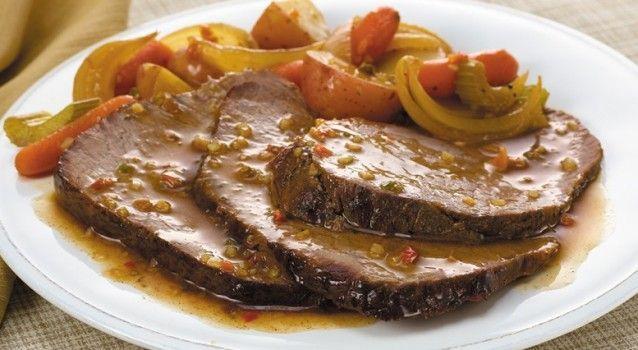 Συνταγή για υπέροχο λεμονάτο μοσχάρι νουά κατσαρόλας. Ένα εύκολο και πολύ γευστικό πιάτο, ιδανικό για το οικογενειακό τραπέζι αλλά και μια πιο ιδιαίτερη περίσταση.