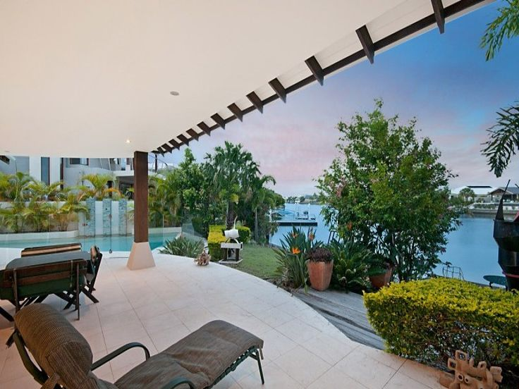 Gorgeous house on Bribie Island - deck and a view