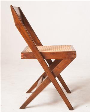 Lauritz.com - Moderna bord och stolar - Pierre Jeanneret, stol PJ-SI-51-A model 'Cane Seat Wood Back Chair', fremstillet til domhuset (1960) og universitetsbiblioteket (1966) i Chandigarh, Indien - DE, Hamburg, Große Elbstraße