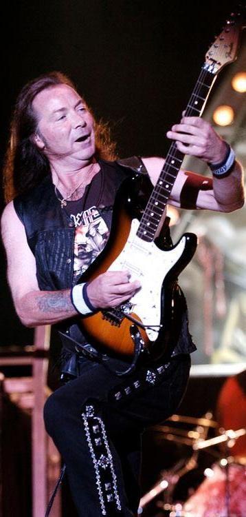 Dave Michael Murray is een gitarist in de heavymetalband Iron Maiden. Hij werd een paar maanden na de oprichting van de band, in 1976, lid. Samen met de bassist Steve Harris is hij het enige lid dat op elk album heeft gestaan.