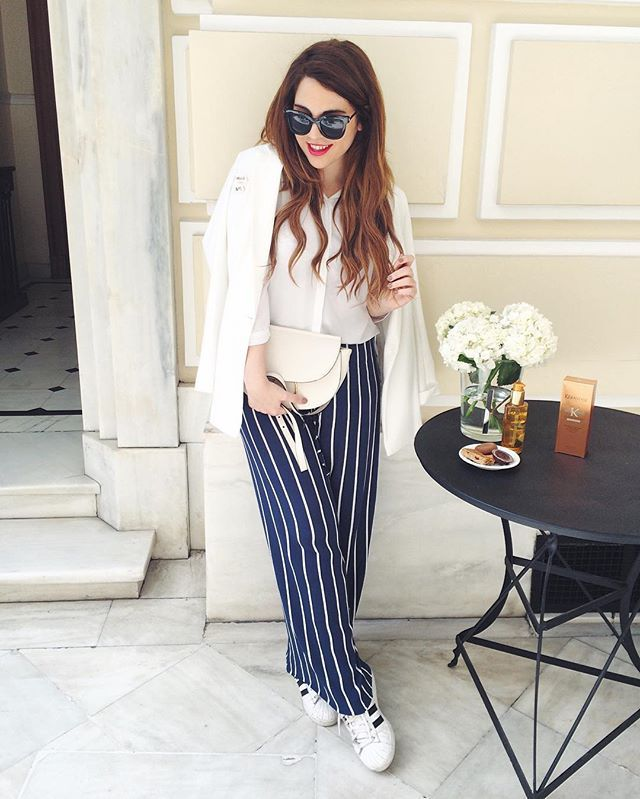 Stripes with red lips, everyday  #lifereport #stripes #bloggerstyle #spring #mycosmolook #greekblogger #mybow #stripes #spring #blogger #sportylook