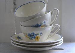 kop & schotel | cup and saucer  | De Soetelaer SOLD
