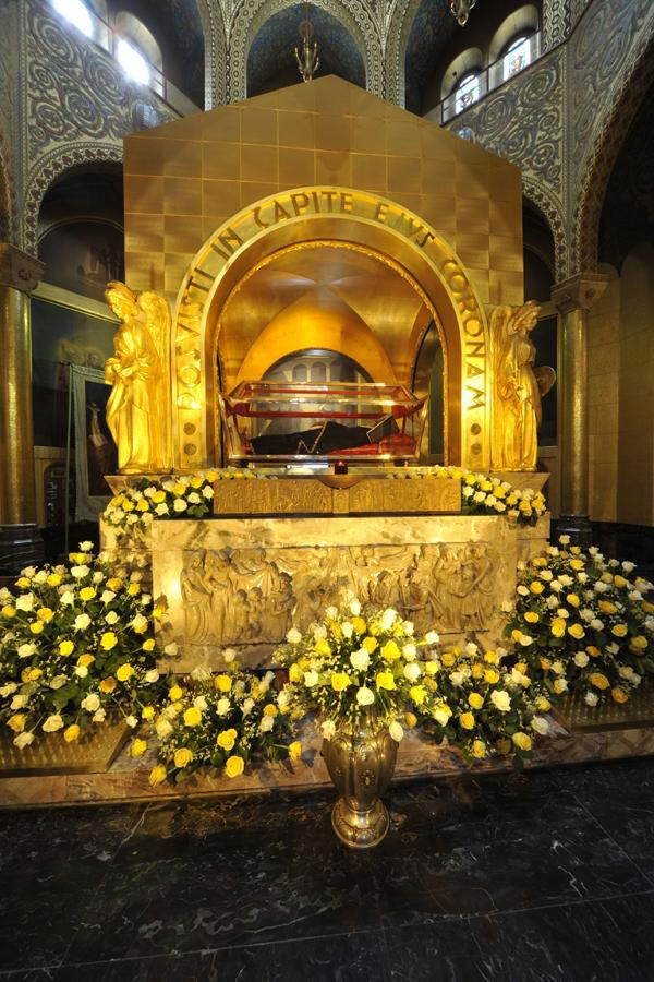 The Basilica of Saint Rita of Cascia, Italy - See her Body and Tomb, Mass times and Directions