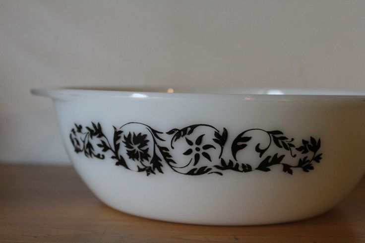 JAJ Pyrex Dianthus Folly, 1966,  casserole dish, serving bowl. Made in England. Retro kitchen by 20thCenturyParade on Etsy