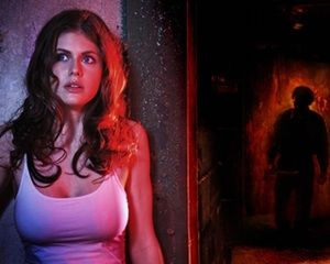 Alexandra Daddario is an American actress who has entertained viewers in both movies (like The Babysitters) and television (like It's Always Sunny in Philadelphia). Daddario is the main character in Texas Chainsaw 3D, in case one wishes to see her as close as humanly possible. Daddario has had seve...