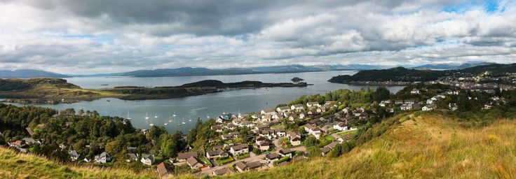 Big panorama of Oban that I took yesterday, from a different perspective.  - http://earth66.com/village/big-panorama-oban-took-yesterday-different-perspective/