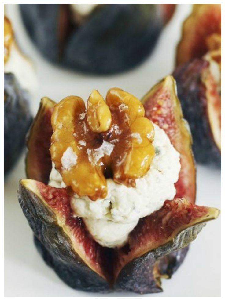 Die machen Appetit auf mehr - Feigen mit Füllung aus Blauschimmelkäse und Walnüssen | http://eatsmarter.de/rezepte/feigen-mit-fuellung-aus-blauschimmelkaese-und-walnuessen