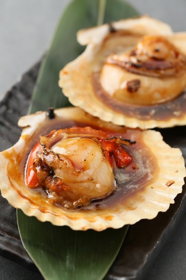 Grilled Scallops with Soy Sauce & Butter ホタテのバターしょうゆ焼き