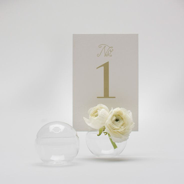 Bubble Card Holder   I love it for the table numbers! What do you think, Bethie?