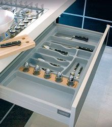 Gas Cook Top and Essetre Drawer Divider