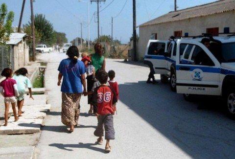 ΣΟΚ στη Θεσσαλονίκη! Βρέθηκε άλλο ένα παιδί που ΔΕΝ ανήκει σε Ρομά!!! - http://www.kataskopoi.com/67653/%cf%83%ce%bf%ce%ba-%cf%83%cf%84%ce%b7-%ce%b8%ce%b5%cf%83%cf%83%ce%b1%ce%bb%ce%bf%ce%bd%ce%af%ce%ba%ce%b7-%ce%b2%cf%81%ce%ad%ce%b8%ce%b7%ce%ba%ce%b5-%ce%ac%ce%bb%ce%bb%ce%bf-%ce%ad%ce%bd%ce%b1-%cf%80/