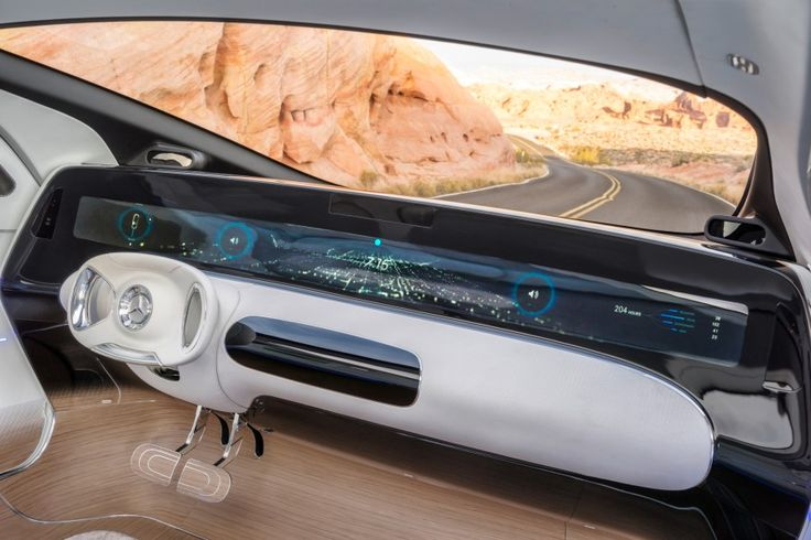 Zur Elektronik-Messe CES bringt Mercedes sein neues Forschungsauto F 015 nach Las Vegas. Er ist für das künftige sogenannte autonome Fahren entwickelt worden, kann also ohne Zutun des Menschen selbstständig unterwegs sein. Das Überraschende ist die Form des Viersitzers. So könnte eine S-Klasse im Jahr 2030 aussehen.
