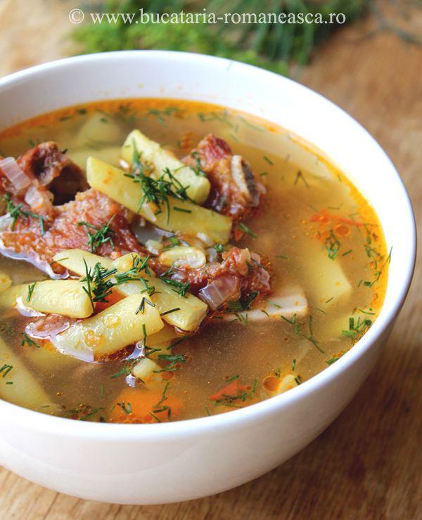Ciorba de fasole verde cu carne de porc