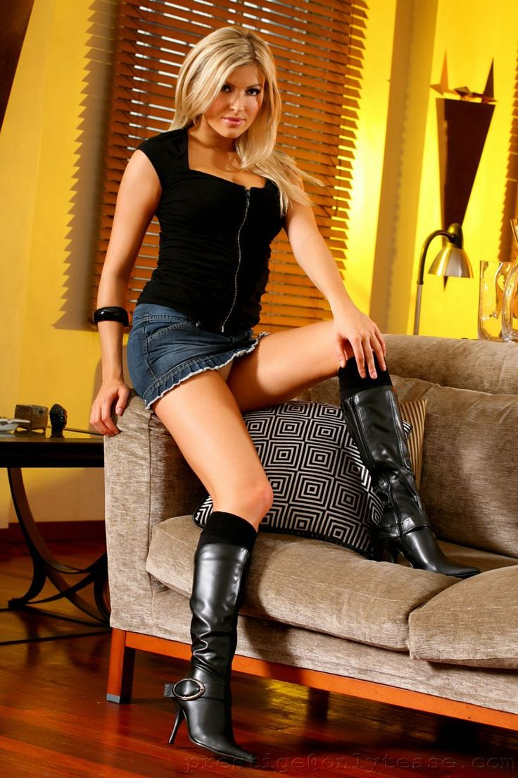 boot high knee nude pic