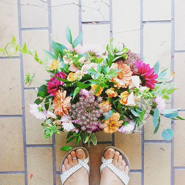 Monday. Right back at it. Pretty summer flower arrangement by periwinkle flowers, toronto florist
