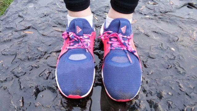 Découvrez le test de la nouvelle Pure Boost X, une chaussure de running adidas spécialement pensée et conçue pour les femmes. En vente sur http://www.univers-running.com/chaussures-running-entrainement/15694-adidas-pure-boost-x-femme-bleue-rose.html   #pureboostx #adidas #universrunning #sport #running