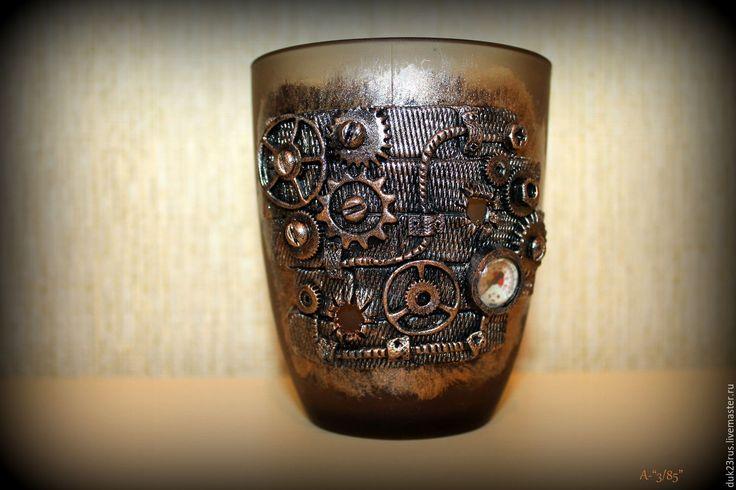 Кружка для мужчины, декорированная полимерной глиной в стиле стимпанк. Подарок на 23 февраля.Подарок мужчине.Для мужчины.Кружка в подарок. Полимерная глина. 23 февраля.