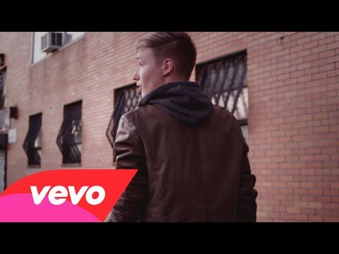 CTP students Caroline Kempczynski and Naomi Rodriguez in Isac Elliot's new music video!