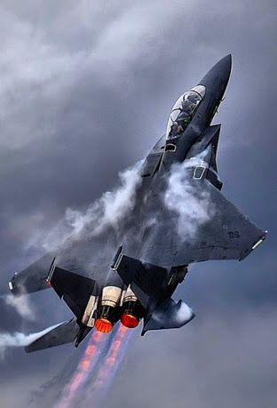 F15 Eagle en ascenso.