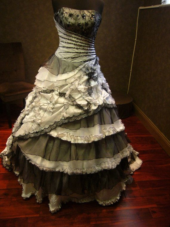 OMGosh this shop has some amazing, fabulous dresses!  Black and White Wedding Dress Vintage Goth