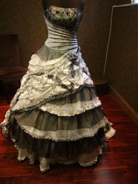 OMGosh this shop has some amazing, fabulous dresses!  Black and White Wedding Dress Vintage Goth