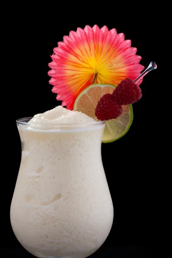 Frozen Banana Daiquiri  3 ounces of light rum 1.5 ounces of fresh lime juice 1 teaspoon of superfine sugar or simple syrup 1 sliced banana (Reserve a couple of slices for garnish.) Blend all the ingredients with one cup of cracked ice until smooth.