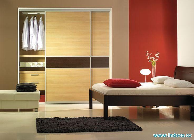 Široká škála dekorů a barev, dokonale sladíme skříň s celým interiérem. www.indeco.cz