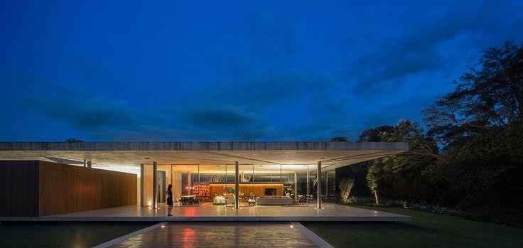 Casa Redux: modern, minimalist Brazilian house near Sao Paulo - vacation home by Studio MK 27