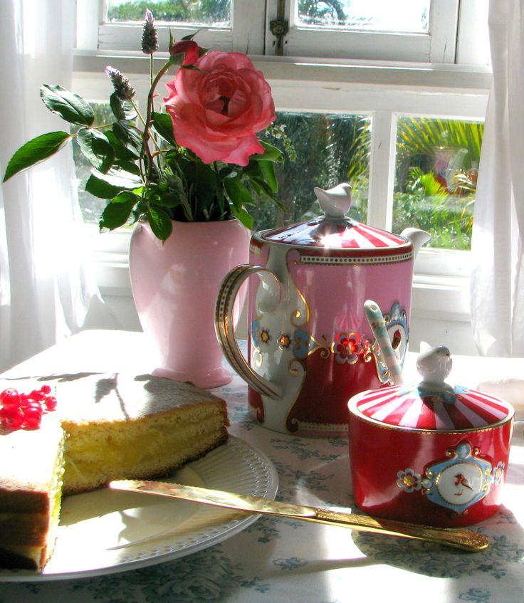 Pip studio...Sponge cake (Le Cordon Bleu)