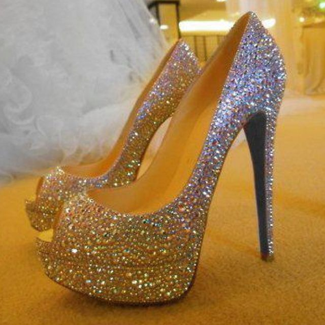 Love.I think ill hav a shoe glitter party n redo a pair of my own heels :-)