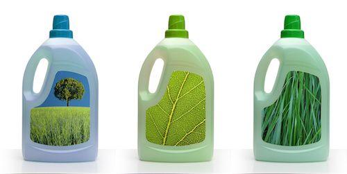 Soyez comme nos grands-mères, adonnez-vous à la fabrication maison ! Fabriquer sa propre lessive est à la fois économique et écologique, mais c'est aussi un excellent moyen pour lutter contre les allergies de la peau. Trois produits phares servent de base à ces recettes de grands-mères : le savon de Marseille, le savon d'Alep et la cendre de bois.