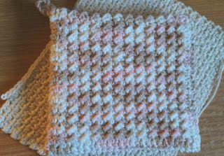 30 Minute Potholder ~ Not in my world! 'Specially when you've gotta make 2 & stitch together. But it IS pretty & doubles as a good hot pad/trivet.