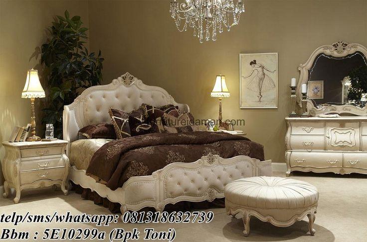 Tempat Tidur Kayu Klasik Putih Elegant-Merupakan produk terbaru dengan desain yang modern dengan desain modern mewah dan ukiran jepara yang penuh nilai seni